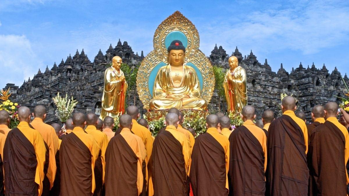 Menikmati Perayaan Waisak Borobudur