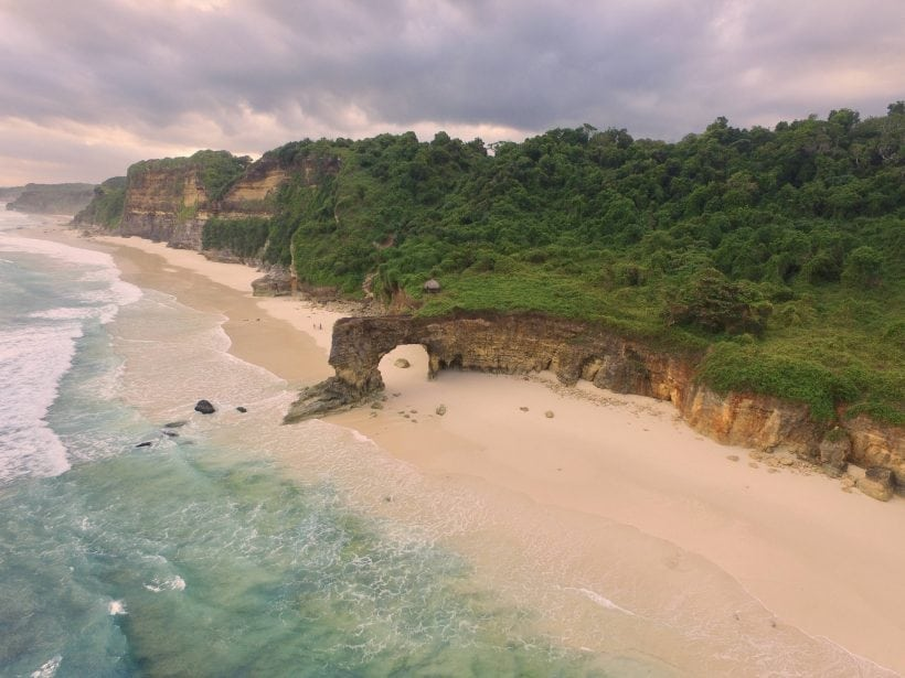 pantai bwanna sumba